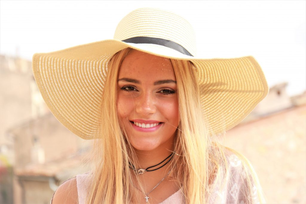 Straw Natural Sun hat with Blonde Highlighted No 10/22
